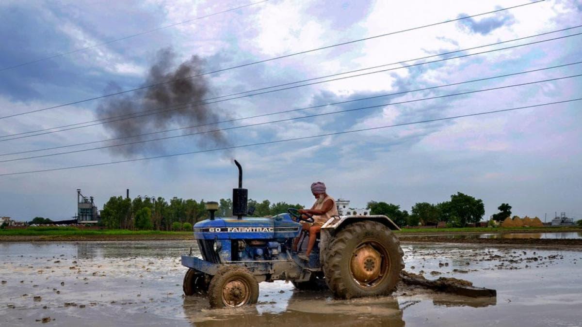 'भारत' के दम पर मंदी के दौर से बाहर निकल रही इंडियन इकोनाॅमी